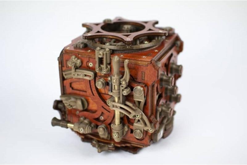 Mecanigma steampunk puzzle box