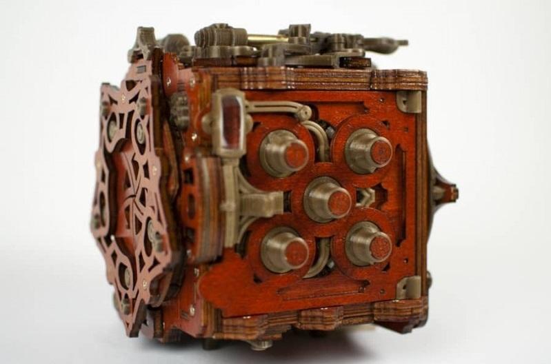 Mecanigma puzzle box