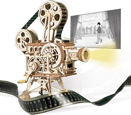 Steampunk DIY movie projector