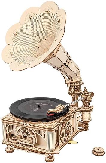 Steampunk diy vintage gramophone